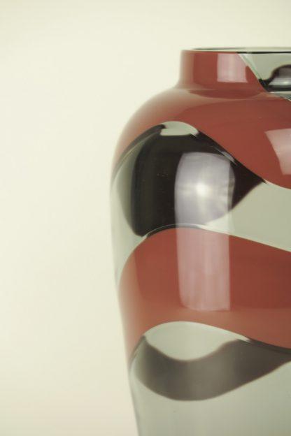 Mundgeblasene Vase Rauch/Rot